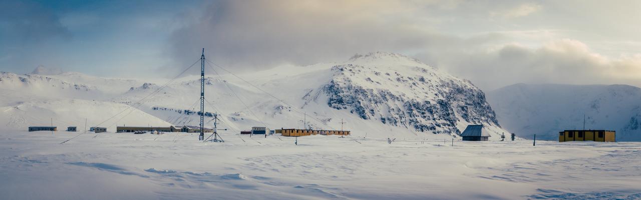 Stacja Arctowskiego w ciągu dnia